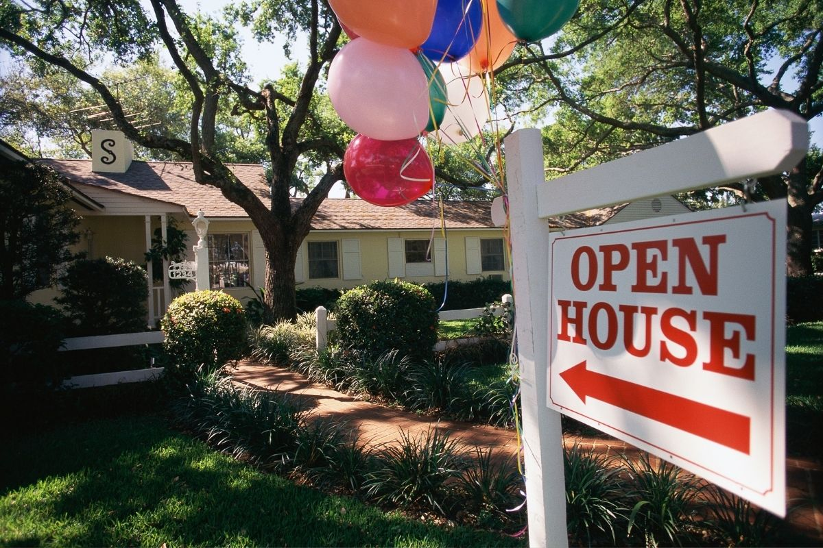 Generate Leads at Open House